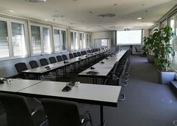 Konferenzraum mit Diskussionsanlage